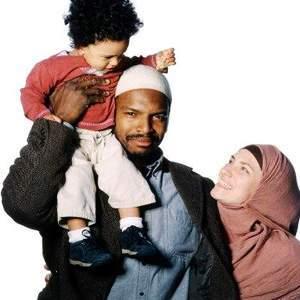 https://dzikuthedziko.files.wordpress.com/2012/03/muslim_family.jpg?w=300